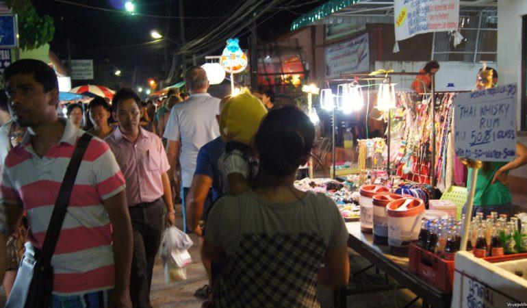 Воскресный рынок пляжа Ламай