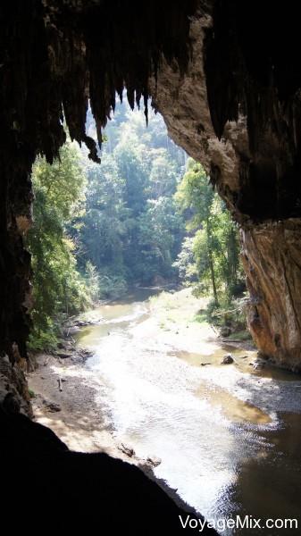 Посетили пещеру