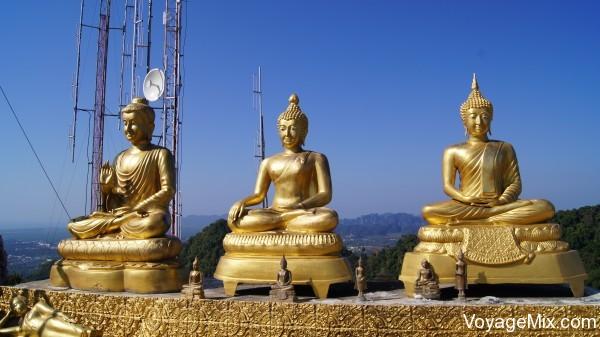 Будды среди антенн связи