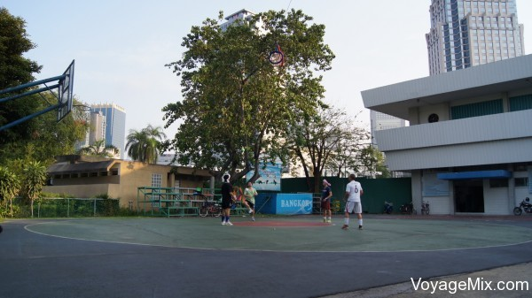 Интересная игра в Люмпини Парке