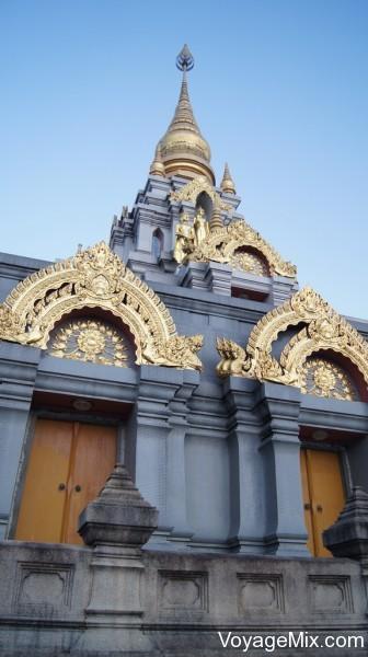 Храм расположен на горе