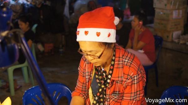 Тайская женщина в шапочке