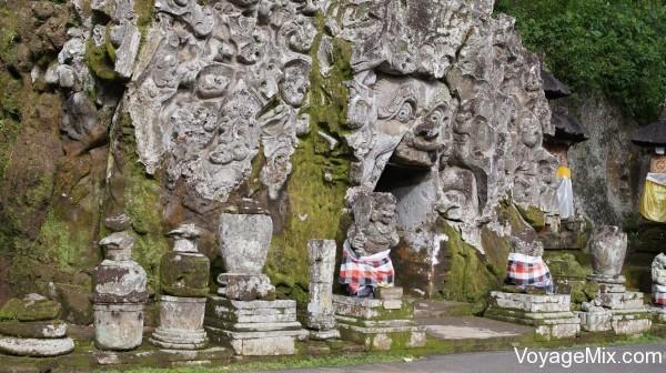 храмовая пещера