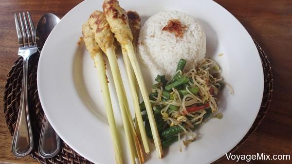 вся пища практически в три раза дороже чем в Таиланде