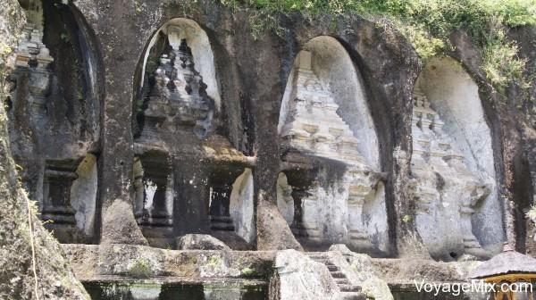 дворец 11 века Гунунг Кави