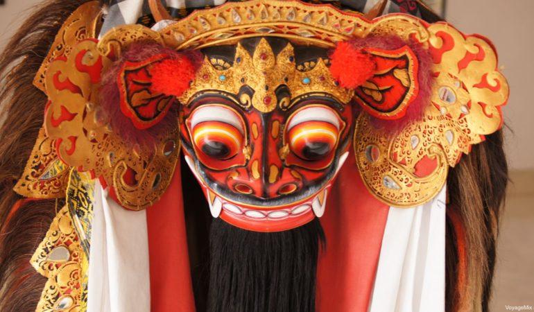 Посещение туристического Нуса-Дуа, храм Улувату на Бали и танец Кечак