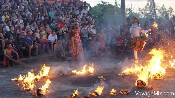 балийский танец Кечак